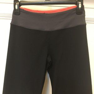 Lululemon Athletica Size 4 Black Yoga Pants w/ Bag